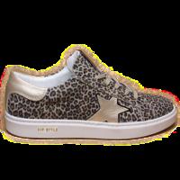 Hip sneakers